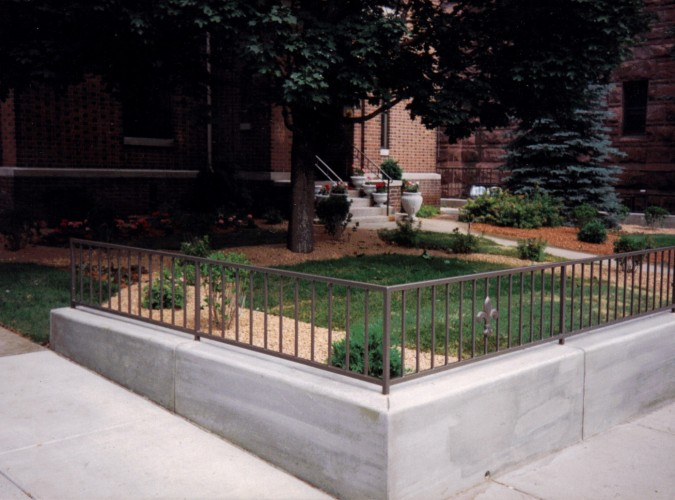 Poured Concrete Retaining Walls : Formed and poured concrete retaining walls veneers